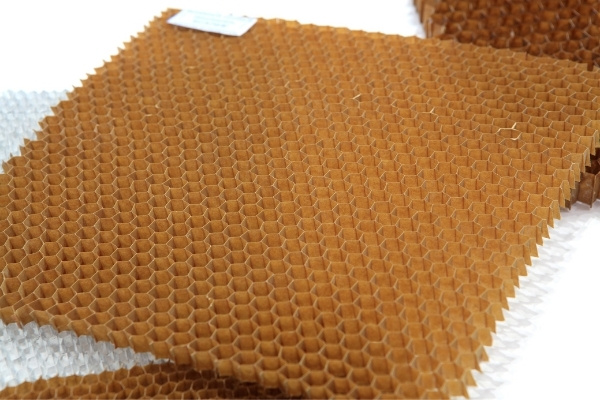 Honeycomb Core Used For Structures of Pools